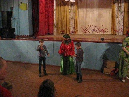vlcsnap-2015-04-17-19h12m44s143